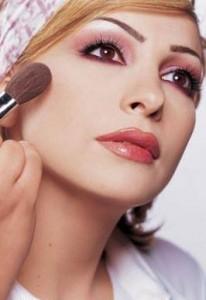 Optimized 66 3 Lebanon Beauty Centers 3 206x300 آموزش آرایش زیبای صورت (مختصر ومفید)