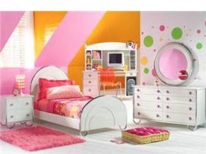 154221 1213394807 300x225 چیدمان بسیار زیبا برای اتاق كودك!