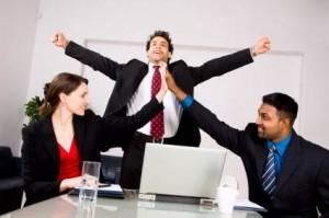 happy office Optimized1 300x199 خود را براي موفقيت برنامه ريزي نماييد
