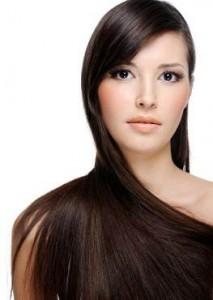 summer hair care Optimized 213x300 8 گام برای داشتن موهایی بلند و زیبا