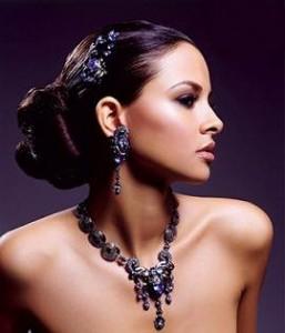 costume jewellery 57 Copy Optimized 257x300 چگونه گوشواره مناسب فرم صورتمان انتخاب کنیم؟