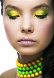 yellow makeup ideas 2011 3 208x300 زدن سایه چشم