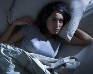 873insomnia2 Optimized 300x240 تنظیم خواب با تغذیه