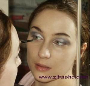 oropaee 8 300x286 آموزش آرایش اروپایی