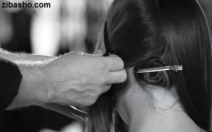 Venus step3 موهایتان را با اتوی مو موج دهید
