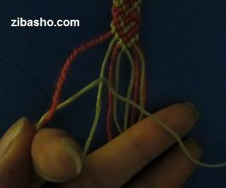 IMG 8649 آموزش بافتن دستبند دوستی با طرح قلب